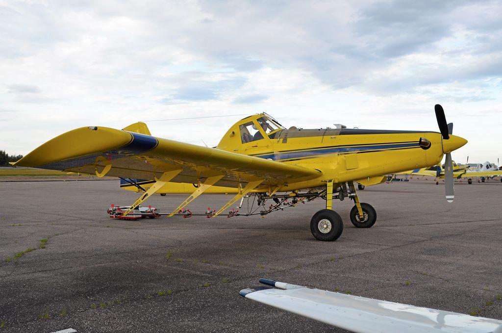 Une douzaine d'avions travaillant pour la SOPFIM sont basées à l'aéroport de Saint-Méthode.
